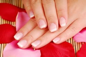 Расслаиваются ногти на руках