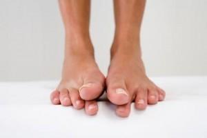 Сводит пальцы на ногах