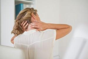 Такой симптом, как красные пятна на шее, как бы там ни было, заставляет насторожиться. И даже если это явление никак не влияет шие