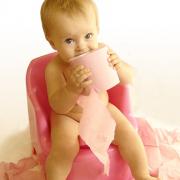 Понос с кровью у ребенка с температурой: насколько это опасно и как лечить?