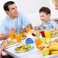 Суточная норма белков, жиров и углеводов: таблица расчета для женщин, детей, спортсменов